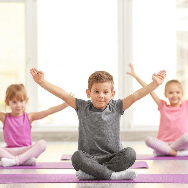 large-gecko-yoga-kids-yoga